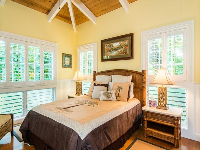 1019844_bedroom-three_800x600