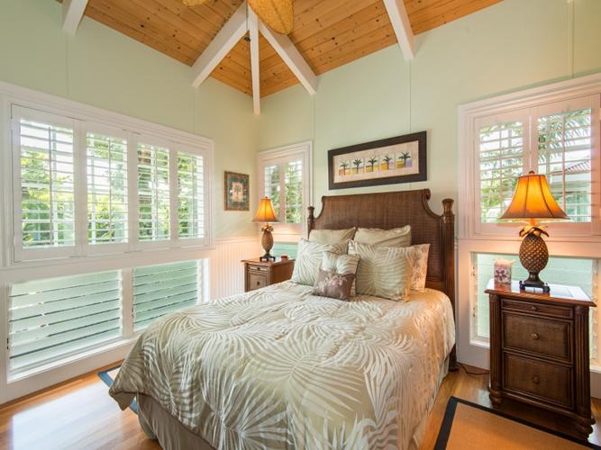 1030336_bedroom-two_800x600