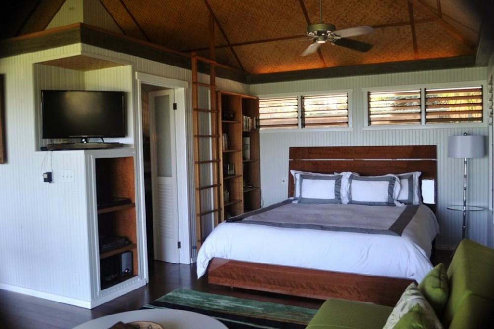 13-hawaiian-romantic-new_king-bed