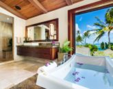 19-5-banyan-estate_master-bath-800x533