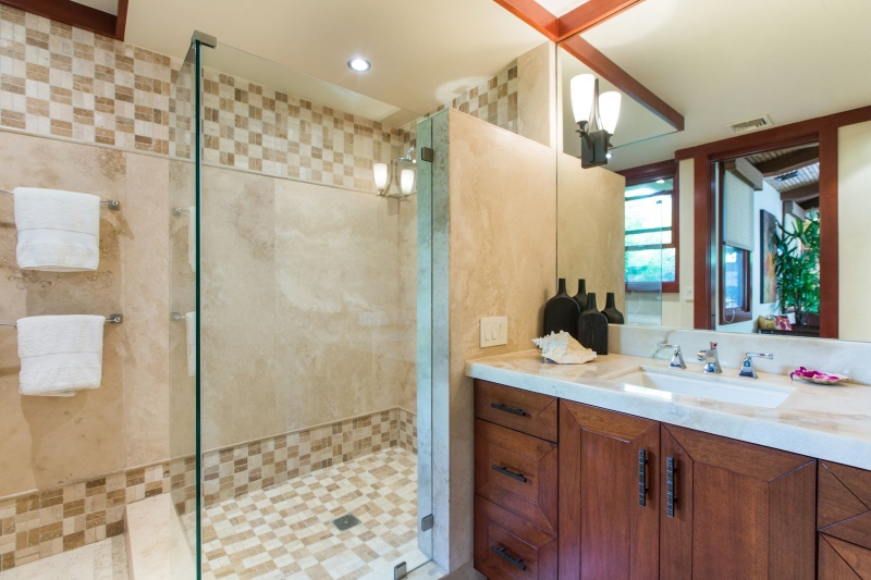 27-banyan-estate_guest-bath-800x533