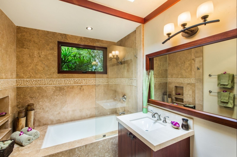 27-1-banyan-estate_guest-bath2-800x533