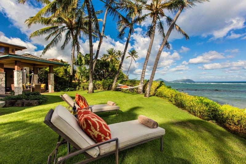 6-banyan-estate_oceanfront-lawn-800x533