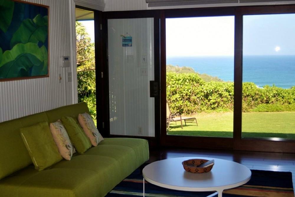7-hawaiian-romantic-new_living3