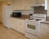 kailua-beach-house_kitchen-new3-800x450