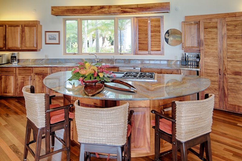 10-paul_mitchell_estate-9-newly-upgraded-kitchen-in-main-house-800x533