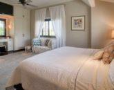 12-aukai-villa_bedroom1a-800x531