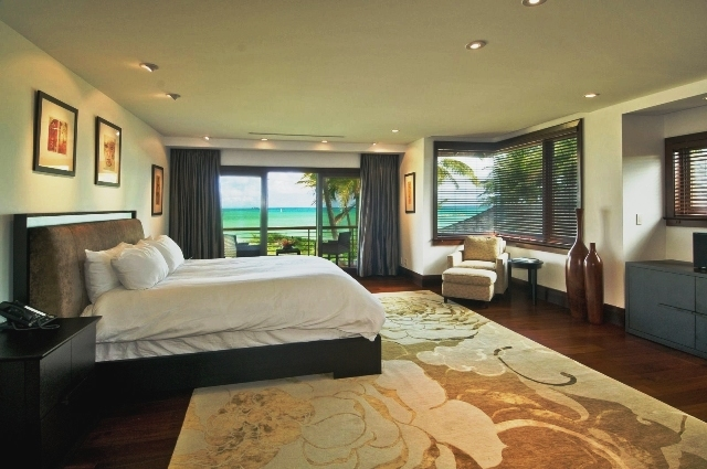 13-royal-beach-estate-master-bedroom-640x425