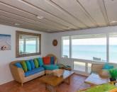14-lanikai-oceanfront-bungalow_sitting