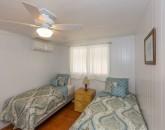 17-lanikai-oceanfront-bungalow_bedroom2
