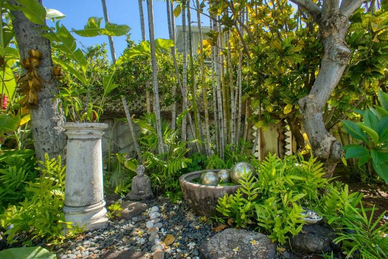 18-aukai-villa_garden-800x534