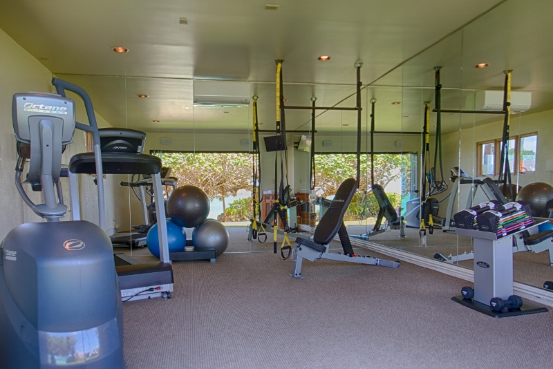 18-paul_mitchell_estate-19-gym-with-glass-sliding-doors-and-full-ocean-view-800x534