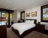 19-royal-beach-estate-bedroom4-800x537