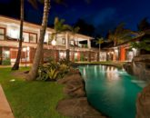 20-luxury-kailua-estate_pool-night2-800x531