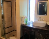 2016_kahalahale_guestbath-for-br-2-and-3-600x800