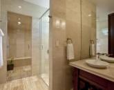 22-royal-beach-estate-bath5-800x539