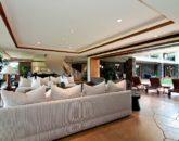 23-luxury-kailua-estate_great-room1-800x531