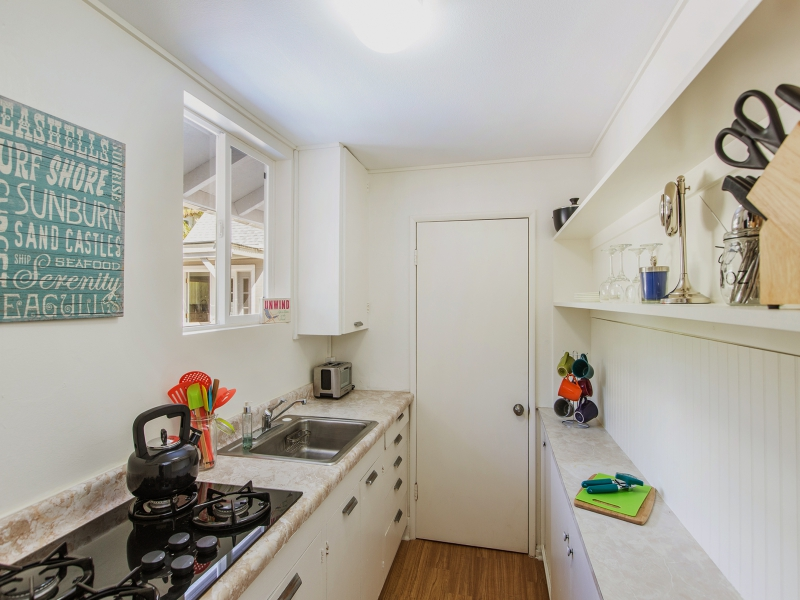 26-blanca-villa_guest-cottage-kitchen-attached-to-laundry