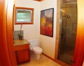 40-kbe_cottage_bathroom_lg