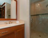 48-luxury-kailua-estate_bath1-800x531