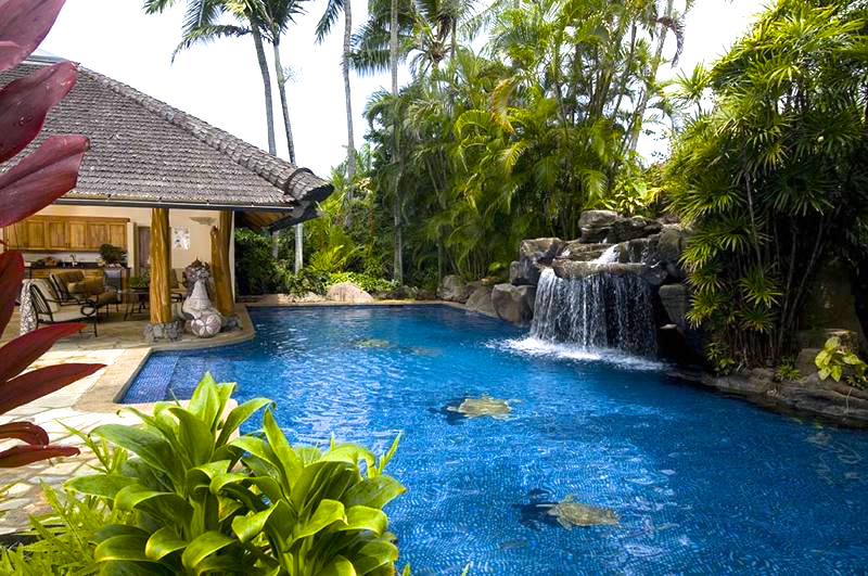 5-paul_mitchell_estate-40-salt-water-pool-and-pool-house-800x531