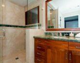 50-luxury-kailua-estate_bath2-800x531