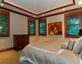 66-luxury-kailua-estate_guest-house-bedroom2-800x531