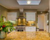 7-aukai-villa_kitchen1-800x518