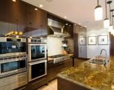 7-royal-beach-estate-kitchen-640x425