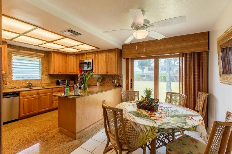 8-kitchen-dining-800x533