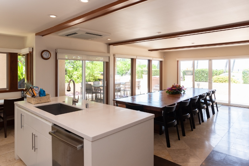 kahala-beach-estate_kitchen2-800x534