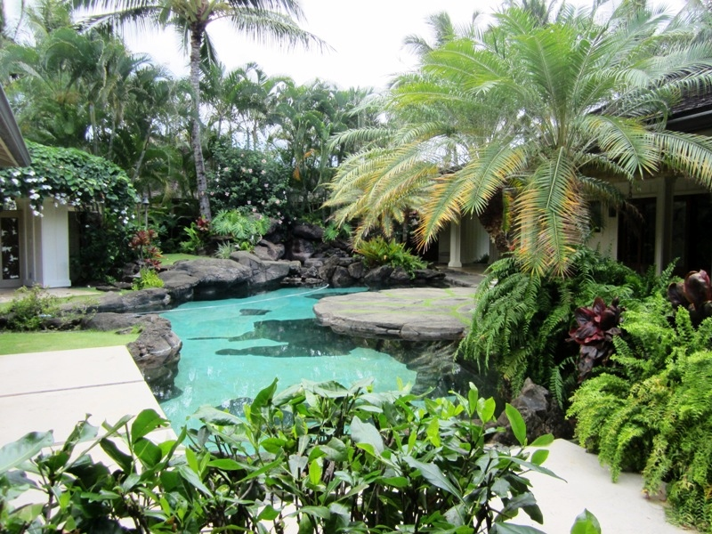 paradise-estate_pool-first_img_2353