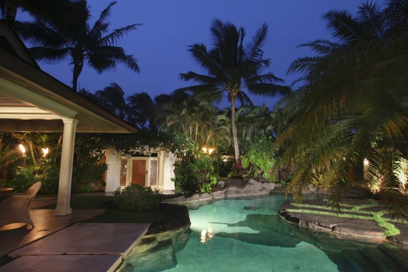 Romantic-Hawaiian-Getaway-at-Kailua-Bay (800x534)