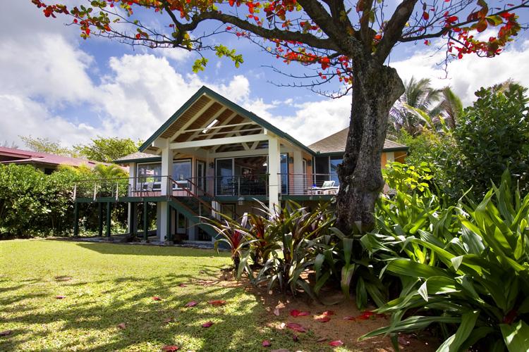 makana-akua_oceanfront-backyard-2
