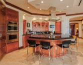 10-bellaluna_kitchen2-800x534