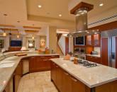 11-sapphireseas_kitchen