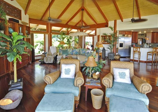 16-puako-beach_living-area2
