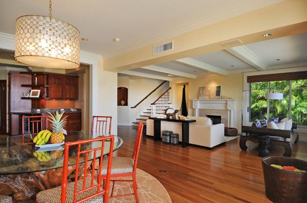 17-azureoceanfront_livingroom