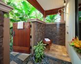 20-cocopalms_master-bath-outdoor-shower