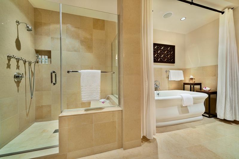 21-floralgardens_master-bath-800x534