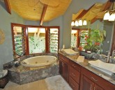 21-puako-beach_suite-bath