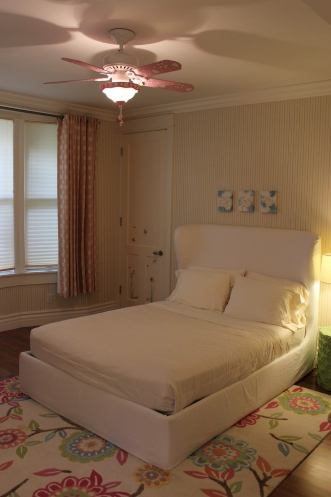 28-azureoceanfront_2ndbedroom