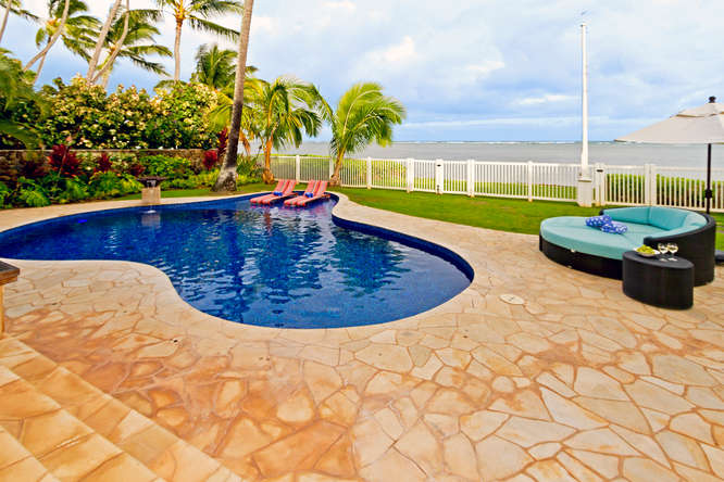 3-azureoceanfront_pool-deck