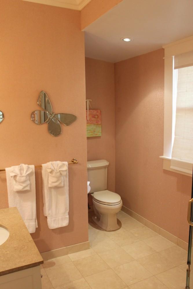 30-azureoceanfront_2ndbedroombathroom1