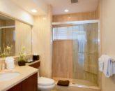 33-kai-ala-estate_bedroom5-bath-800x532