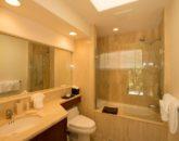 37-kai-ala-estate_bedroom7-bath-800x532