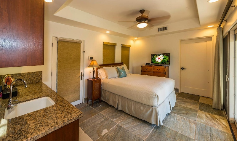 38-kai-ala-estate_bedroom8-800x476