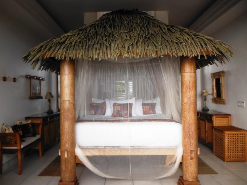kona-coconut_master-bed2