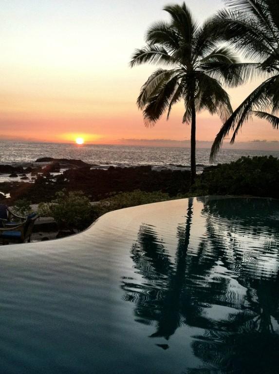 kona-coconut_infinity-pool-sunset