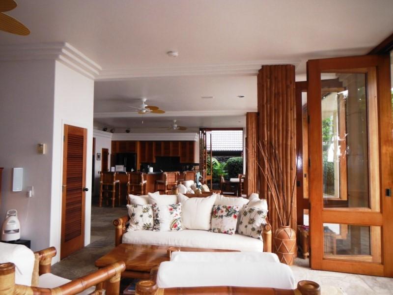 kona-coconut_living-area